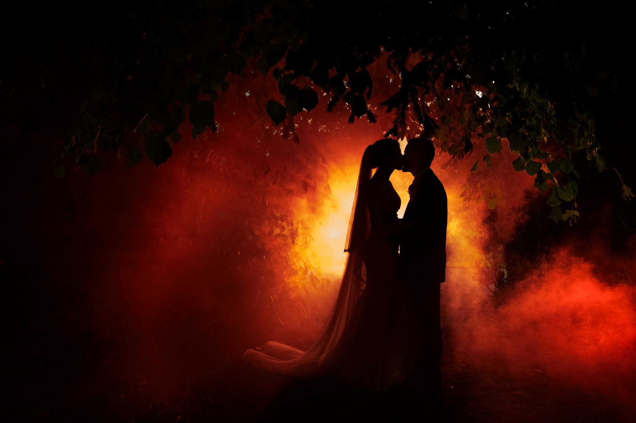 bride and groom smoke bomb photograph